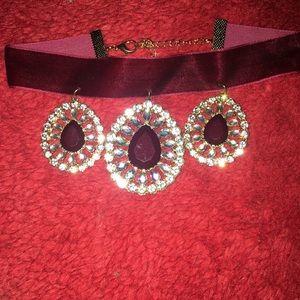 Jewelry - A 3 tier gothic chocker necklace